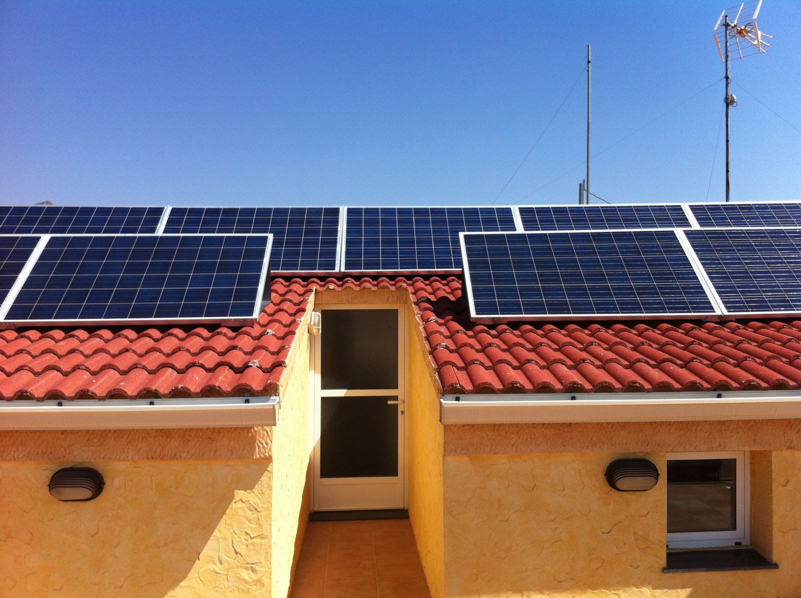 Vivienda con energía solar fotovoltaica