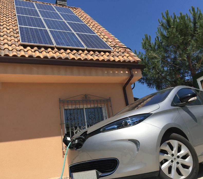 Coche eléctrico con fotovoltaica