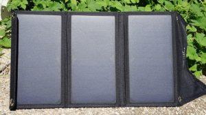Placa solar plegable