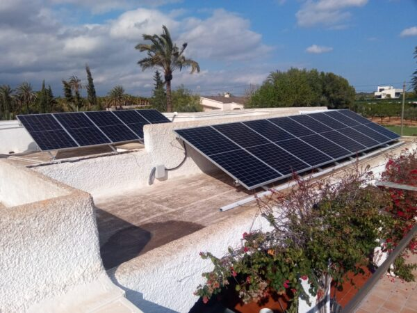 Instalación de autoconsumo con placas solares en Elche