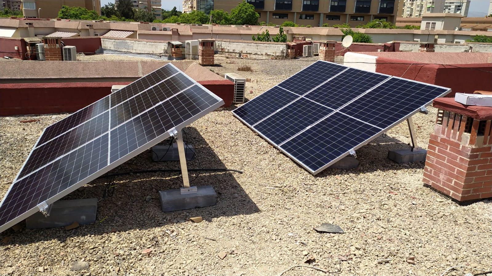 Placas solares sobre cubierta plana